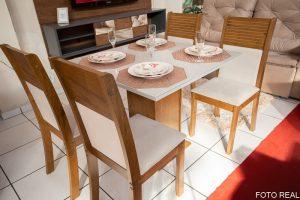 Mesa de Jantar Napoli Tampo MDF e Vidro Off 90X90 com 4 Cadeiras Havaí Sued Palha no Rio de Janeiro