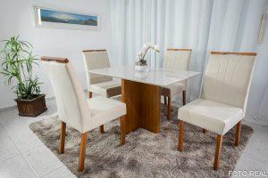 Mesa de Jantar Camile Mel Tampo MDF e Vidro Off 120X80 com 4 Cadeiras de Madeira Bia 03 Tec. Bege 01 no Rio de Janeiro
