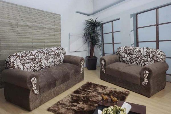sofa-3x2-lugares-viena-marrom-floral-ambiente